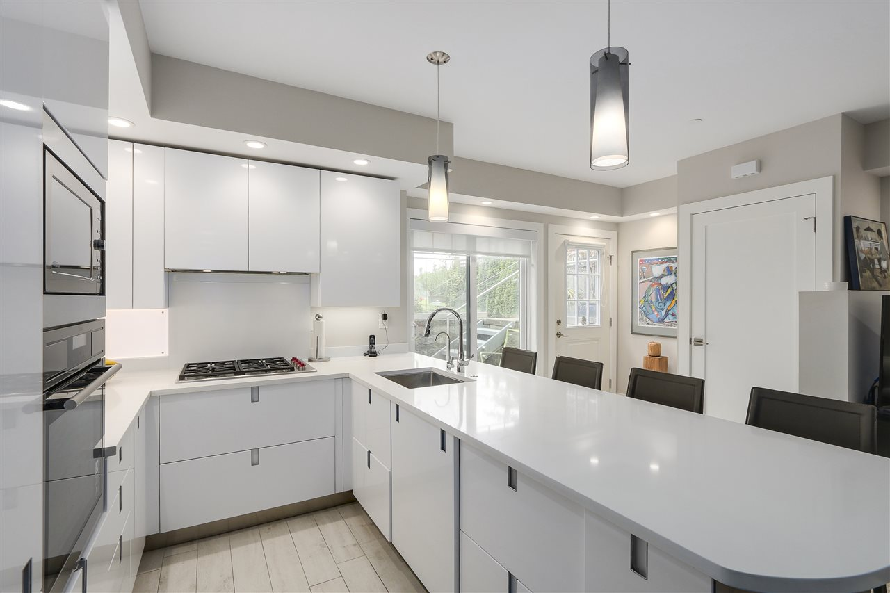 Photo 12: 2339 W 10TH Avenue in Vancouver: Kitsilano Townhouse for sale (Vancouver West)  : MLS(r) # R2176866