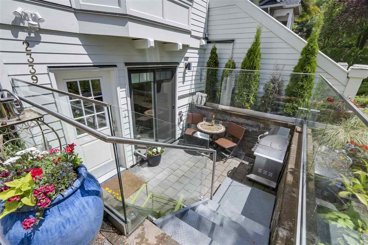 Photo 2: 2339 W 10TH Avenue in Vancouver: Kitsilano Townhouse for sale (Vancouver West)  : MLS(r) # R2176866