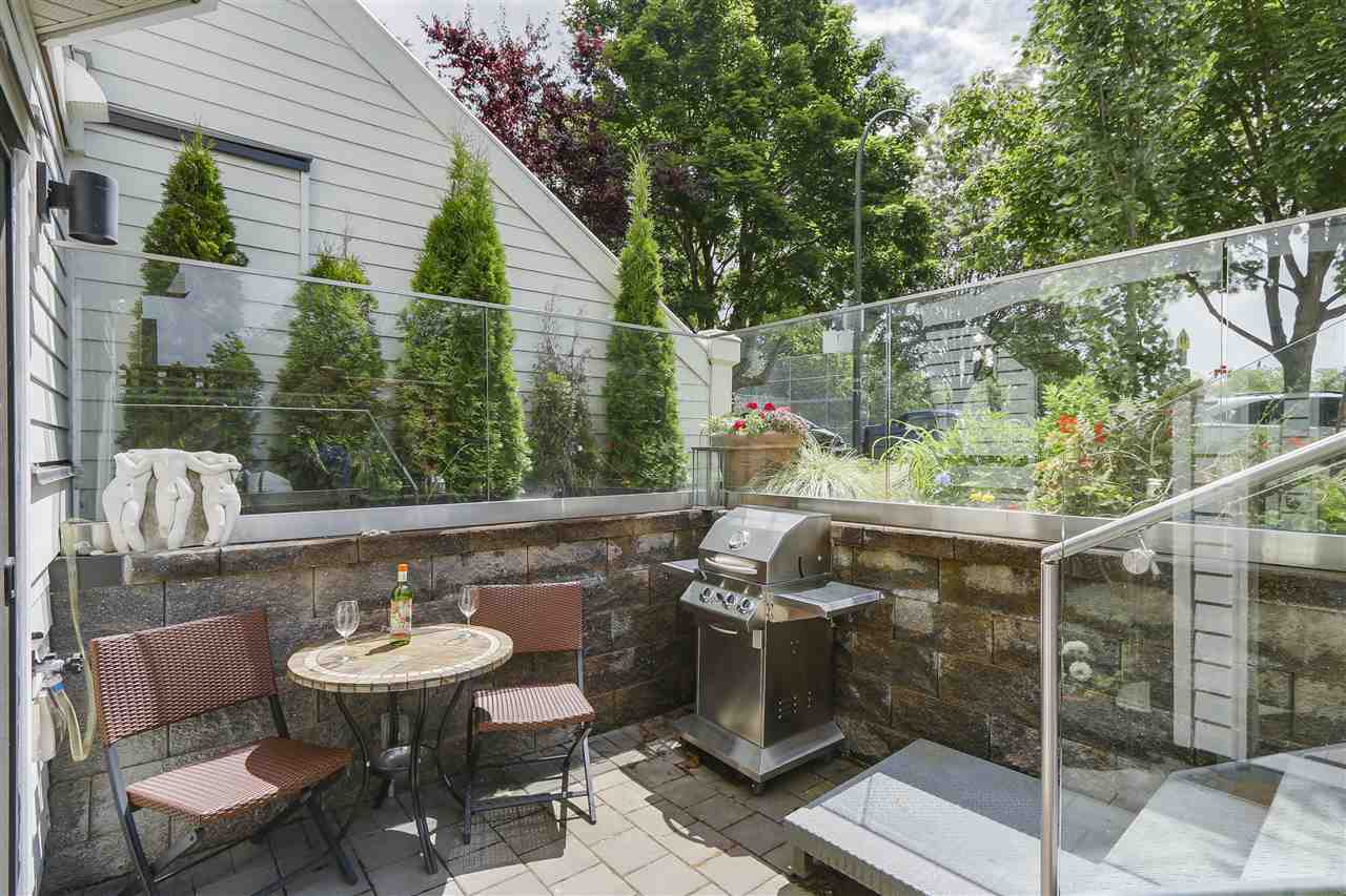 Photo 3: 2339 W 10TH Avenue in Vancouver: Kitsilano Townhouse for sale (Vancouver West)  : MLS(r) # R2176866