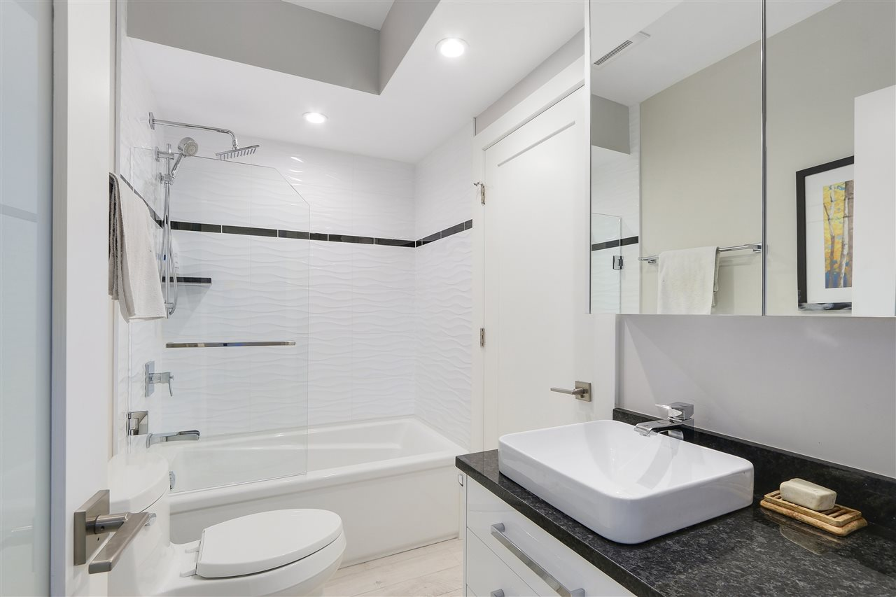 Photo 18: 2339 W 10TH Avenue in Vancouver: Kitsilano Townhouse for sale (Vancouver West)  : MLS(r) # R2176866