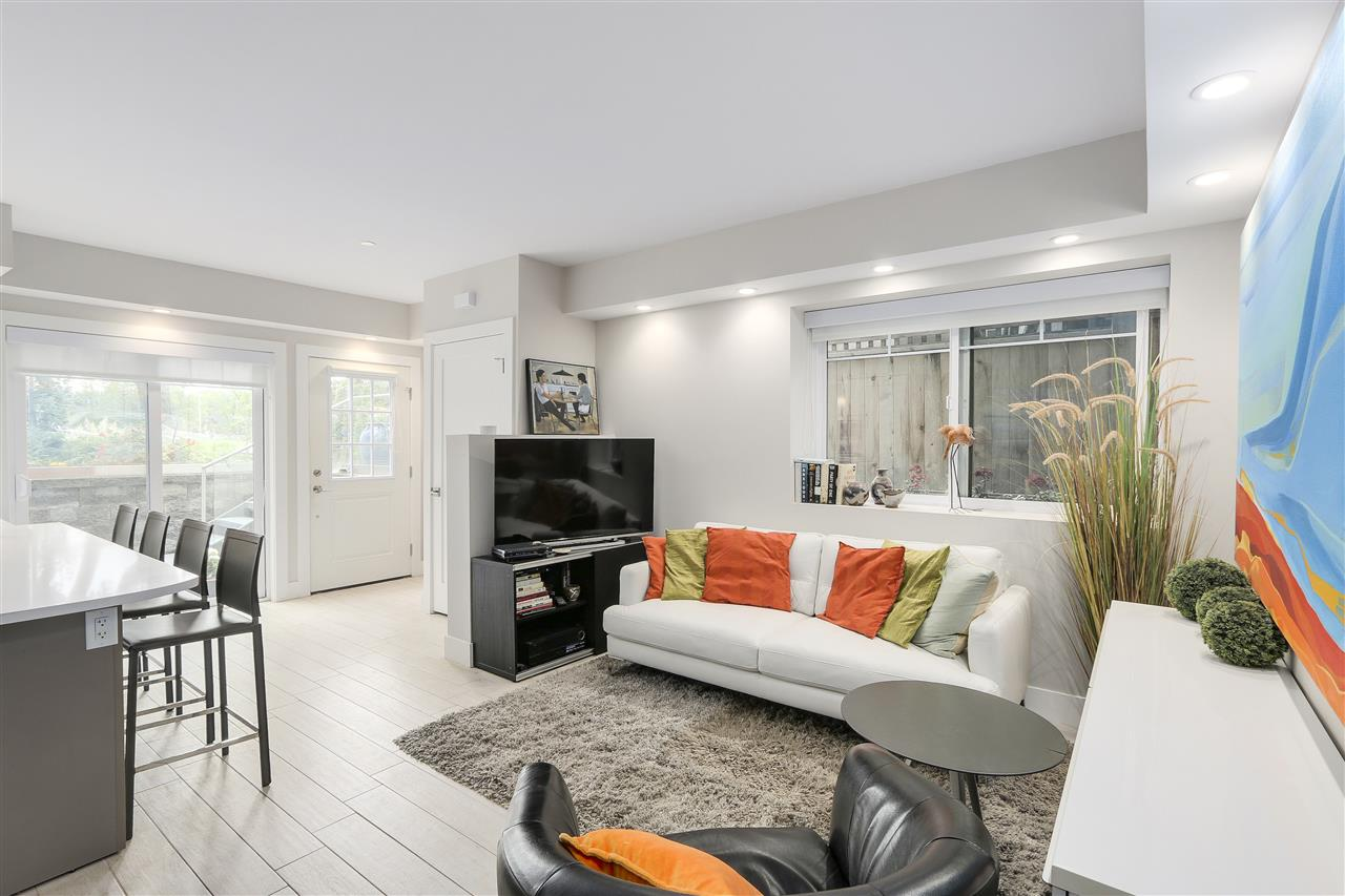 Photo 6: 2339 W 10TH Avenue in Vancouver: Kitsilano Townhouse for sale (Vancouver West)  : MLS(r) # R2176866