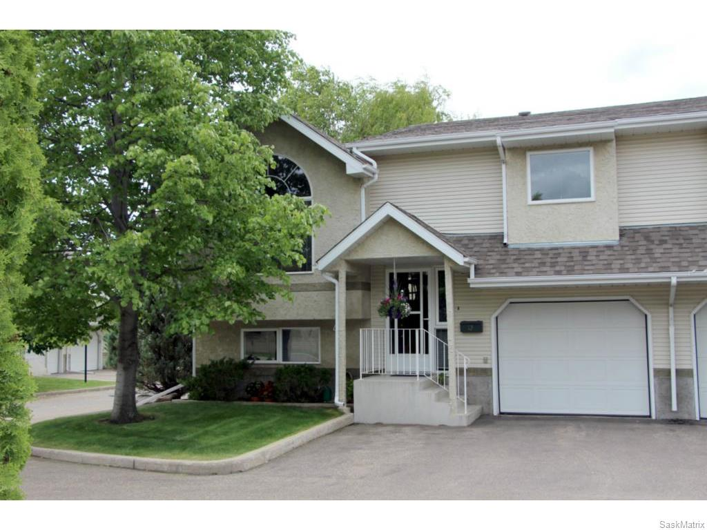 Main Photo: 12 644 Heritage Lane in Saskatoon: Wildwood Residential for sale : MLS® # SK614188
