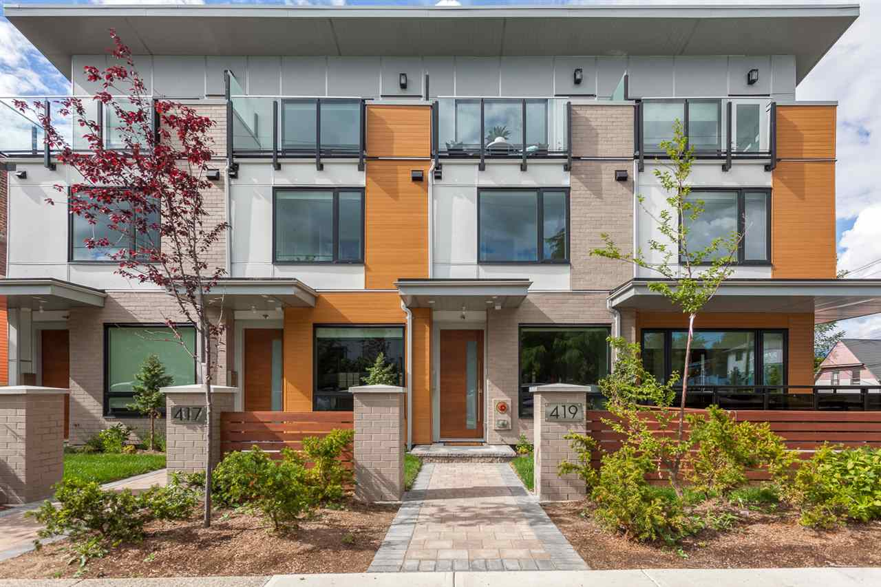 "Main Photo: 419 E 6 Avenue in Vancouver: Mount Pleasant VE Townhouse for sale in ""6th & Guelph"" (Vancouver East)  : MLS(r) # R2187097"