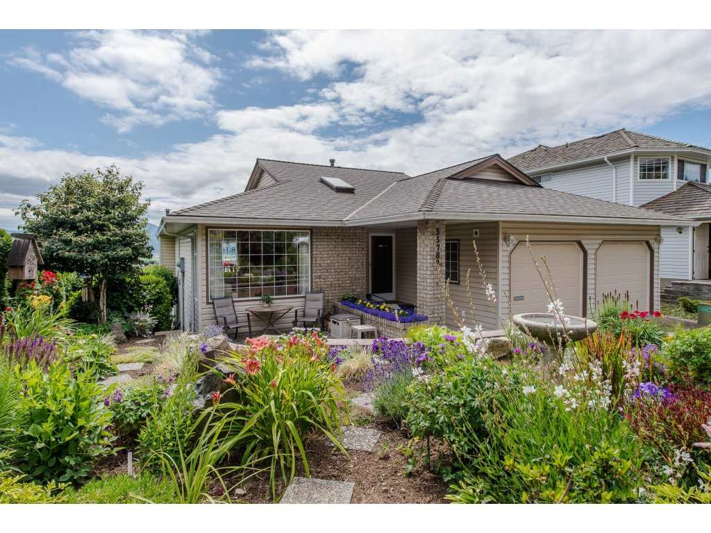 Main Photo: 35782 CANTERBURY Avenue in Abbotsford: Abbotsford East House for sale : MLS(r) # R2188195
