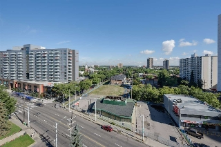 Main Photo:  in Edmonton: Zone 12 Condo for sale : MLS® # E4076512