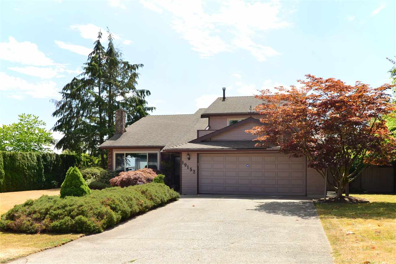 "Main Photo: 19152 59A Avenue in Surrey: Cloverdale BC House for sale in ""Latimer Road Estates"" (Cloverdale)  : MLS® # R2196806"