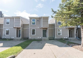 Main Photo:  in Edmonton: Zone 16 Townhouse for sale : MLS® # E4078345