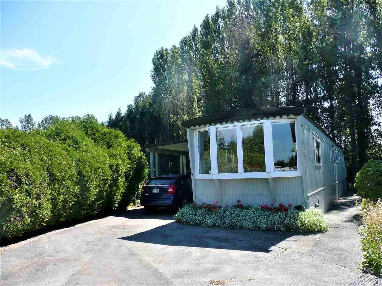 "Main Photo: 296 201 CAYER Street in Coquitlam: Maillardville Manufactured Home for sale in ""WILDWOOD PARK"" : MLS®# R2199159"