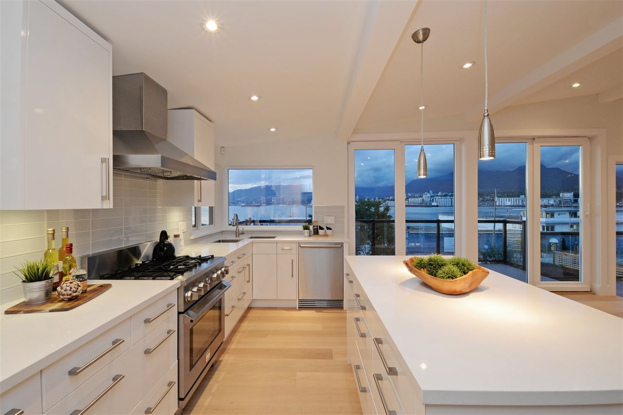 Photo 8: 2317 WALL Street in Vancouver: Hastings House for sale (Vancouver East)  : MLS® # R2204404