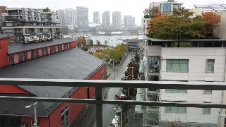Main Photo: 807 88 W 1ST Avenue in Vancouver: False Creek Condo for sale (Vancouver West)  : MLS® # R2213437