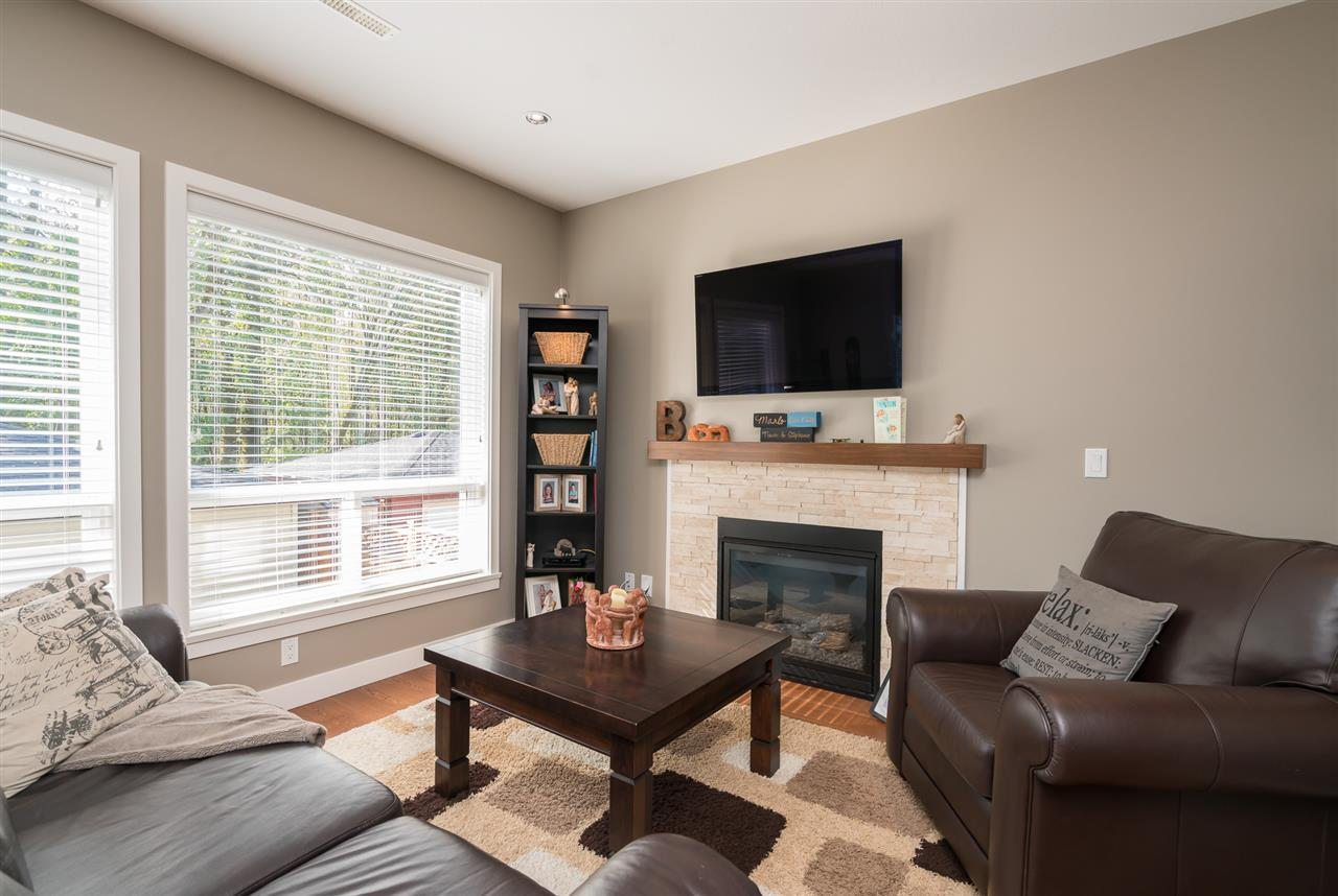 Photo 9: Photos: 19170 67 Avenue in Surrey: Clayton House for sale (Cloverdale)  : MLS® # R2214897