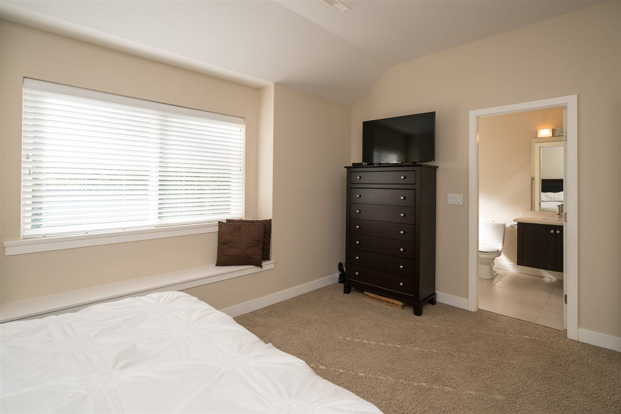 Photo 13: Photos: 19170 67 Avenue in Surrey: Clayton House for sale (Cloverdale)  : MLS® # R2214897