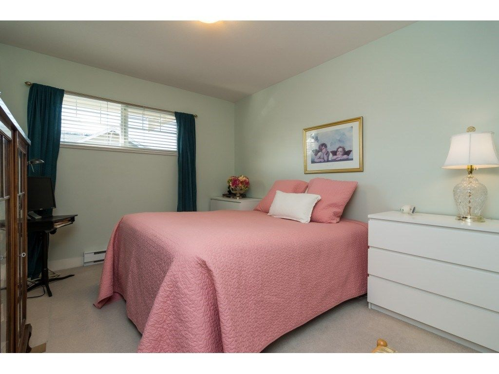 "Photo 14: Photos: 28 6568 193B Street in Surrey: Clayton Townhouse for sale in ""Belmont"" (Cloverdale)  : MLS® # R2220441"