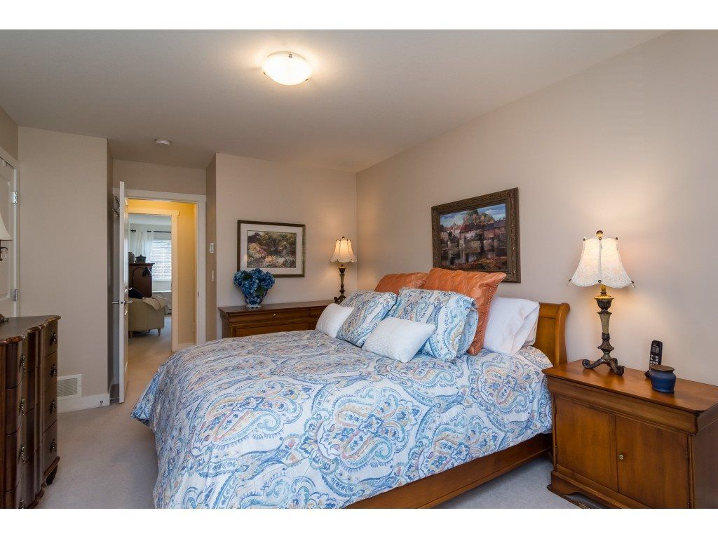 "Photo 11: Photos: 28 6568 193B Street in Surrey: Clayton Townhouse for sale in ""Belmont"" (Cloverdale)  : MLS® # R2220441"