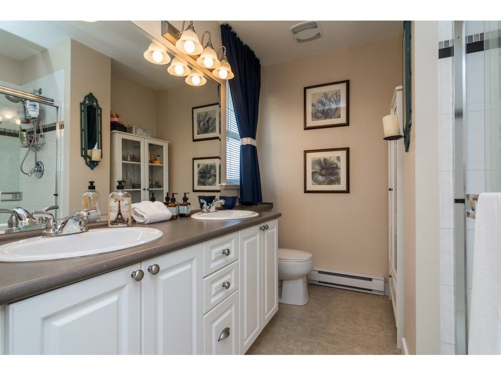 "Photo 13: Photos: 28 6568 193B Street in Surrey: Clayton Townhouse for sale in ""Belmont"" (Cloverdale)  : MLS® # R2220441"
