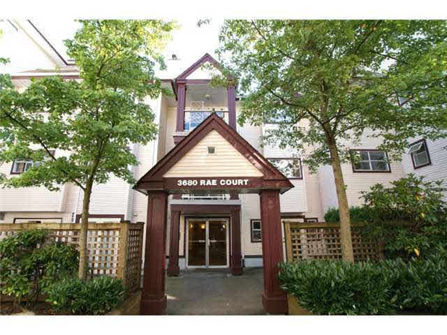 Main Photo: 205 3680 RAE AVENUE in : Collingwood VE Condo for sale : MLS®# V914637