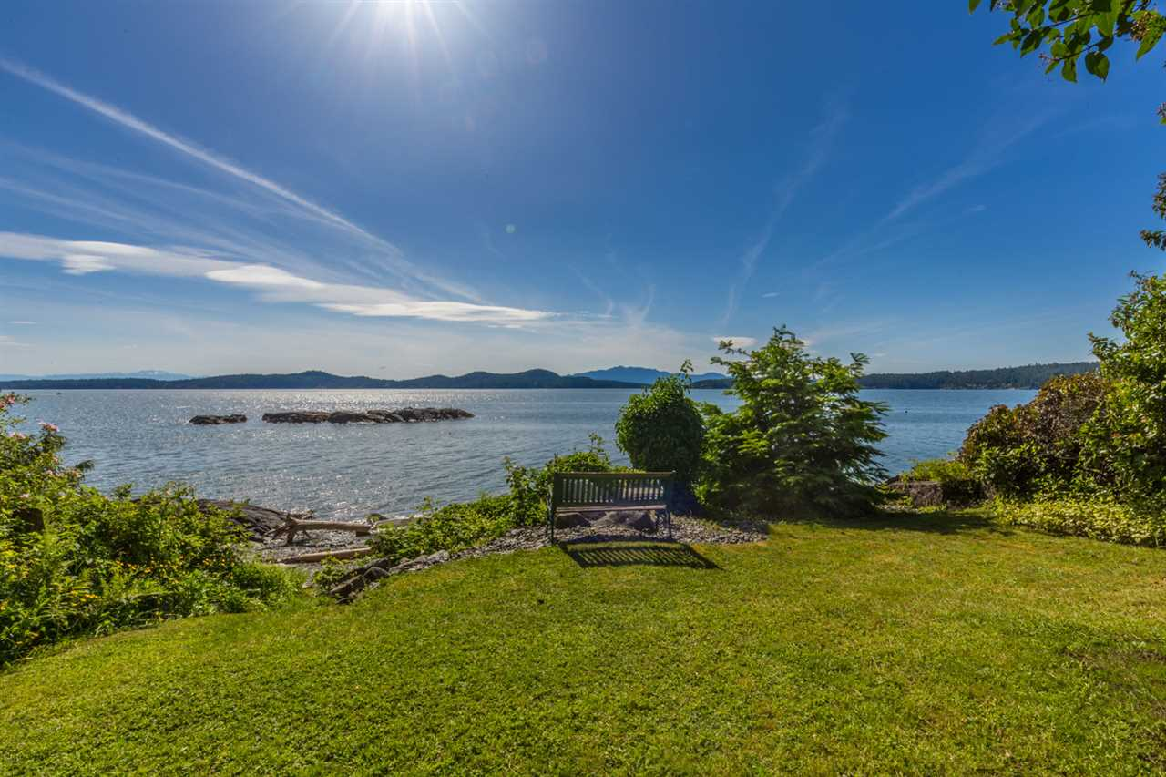 Photo 3: Photos: 8605 REDROOFFS Road in Halfmoon Bay: Halfmn Bay Secret Cv Redroofs House for sale (Sunshine Coast)  : MLS® # R2236253