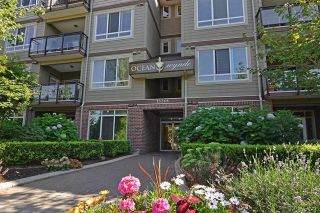 "Main Photo: 408 15368 17A Avenue in Surrey: King George Corridor Condo for sale in ""OCEAN WYNDE"" (South Surrey White Rock)  : MLS®# R2249492"