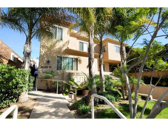 Main Photo: CROWN POINT Townhome for sale : 2 bedrooms : 4067 Gresham in Pacific Beach