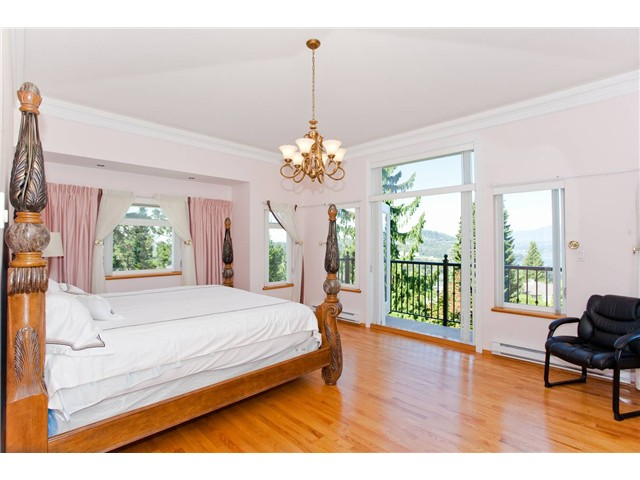 Photo 8: 7260 RIDGE Drive in Burnaby: Westridge BN House for sale (Burnaby North)  : MLS(r) # V914806