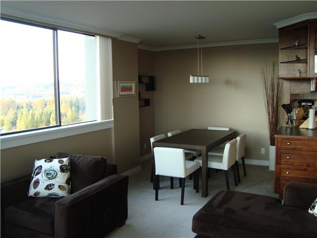 "Photo 3: 1604 3970 CARRIGAN Court in Burnaby: Government Road Condo for sale in ""DISCOVERY II"" (Burnaby North)  : MLS(r) # V919494"