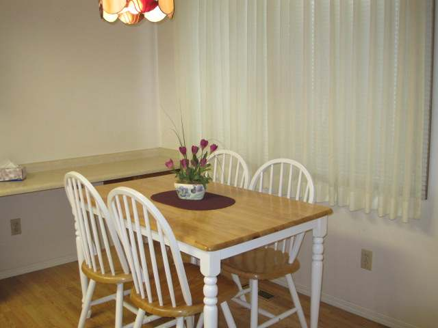 Photo 4: 1810 SPRINGHILL DRIVE in Kamloops: Sahali Residential Attached for sale (15)  : MLS(r) # 106510