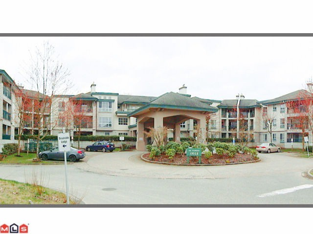 Main Photo: 202 19528 FRASER Highway in Surrey: Cloverdale BC Condo for sale (Cloverdale)  : MLS(r) # F1207837