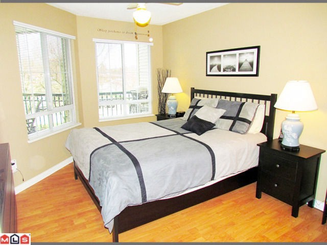 Photo 7: 202 19528 FRASER Highway in Surrey: Cloverdale BC Condo for sale (Cloverdale)  : MLS(r) # F1207837