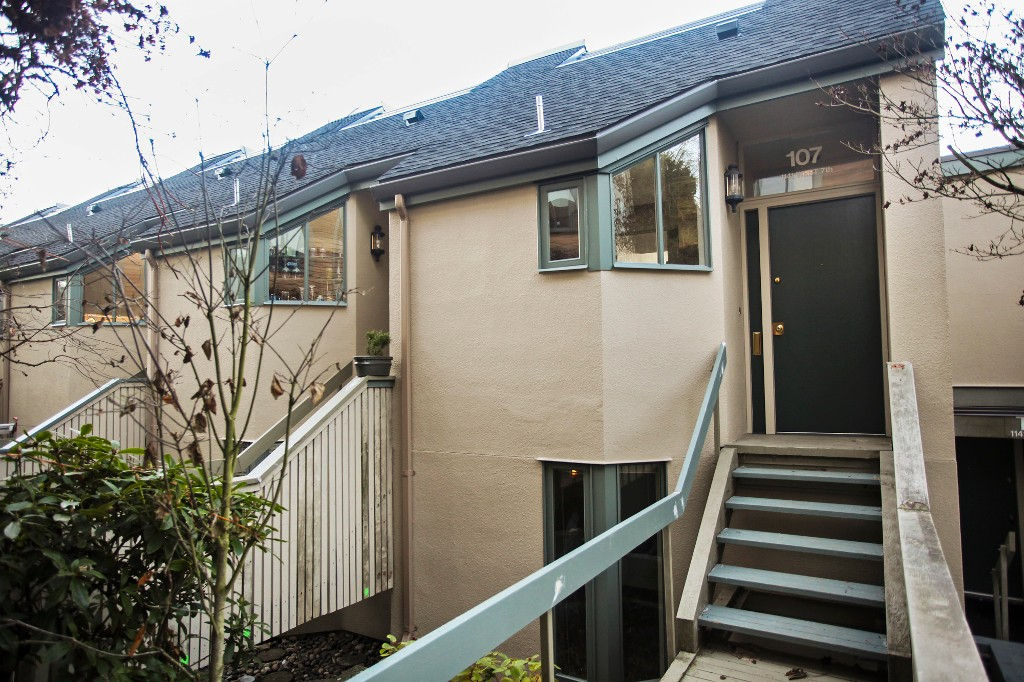 "Photo 23: 107 1141 W 7TH Avenue in Vancouver: Fairview VW Townhouse for sale in ""FAIRVIEW SLOPES"" (Vancouver West)  : MLS(r) # V1040244"