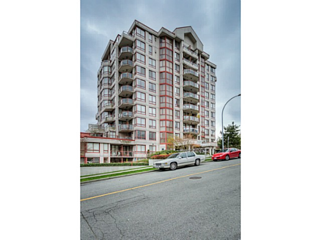 "Main Photo: 507 220 ELEVENTH Street in New Westminster: Uptown NW Condo for sale in ""QUEENS COVE"" : MLS®# V1056952"