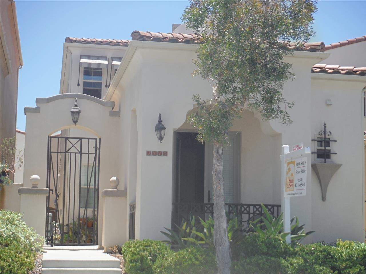 Main Photo: POINT LOMA House for sale : 3 bedrooms : 2779 E Bainbridge in San Diego