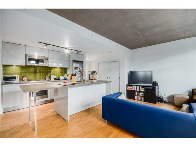 "Photo 10: 702 128 W CORDOVA Street in Vancouver: Downtown VW Condo for sale in ""Woodwards"" (Vancouver West)  : MLS® # V1066426"