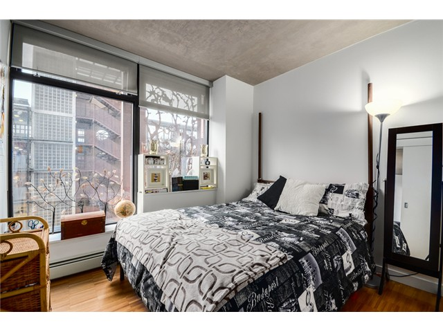 "Photo 15: 702 128 W CORDOVA Street in Vancouver: Downtown VW Condo for sale in ""Woodwards"" (Vancouver West)  : MLS® # V1066426"