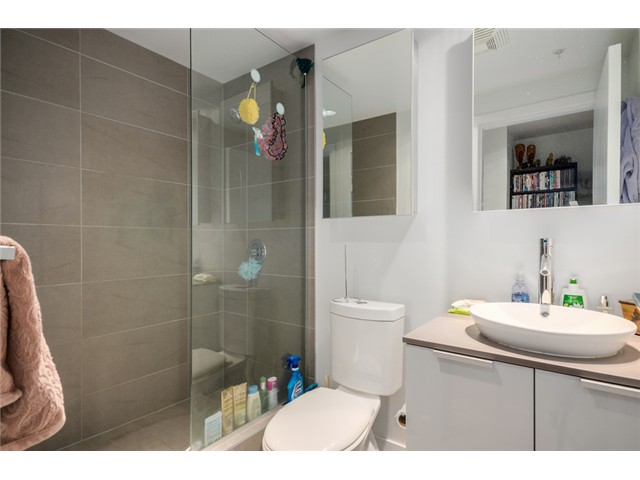 "Photo 12: 702 128 W CORDOVA Street in Vancouver: Downtown VW Condo for sale in ""Woodwards"" (Vancouver West)  : MLS® # V1066426"
