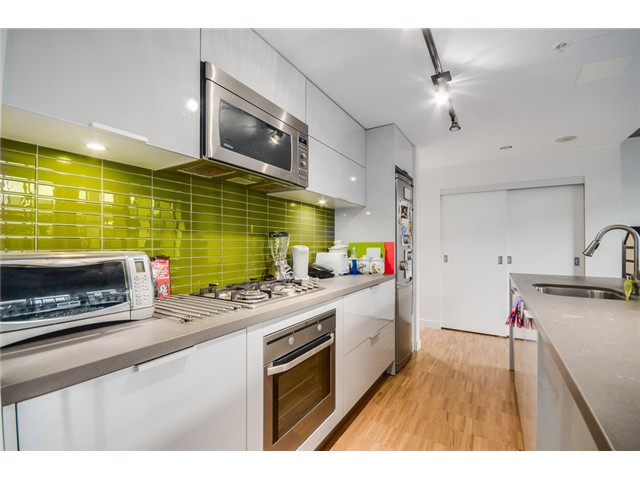 "Photo 4: 702 128 W CORDOVA Street in Vancouver: Downtown VW Condo for sale in ""Woodwards"" (Vancouver West)  : MLS® # V1066426"