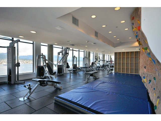 "Photo 19: 702 128 W CORDOVA Street in Vancouver: Downtown VW Condo for sale in ""Woodwards"" (Vancouver West)  : MLS® # V1066426"