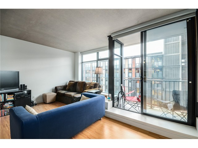"Photo 9: 702 128 W CORDOVA Street in Vancouver: Downtown VW Condo for sale in ""Woodwards"" (Vancouver West)  : MLS® # V1066426"