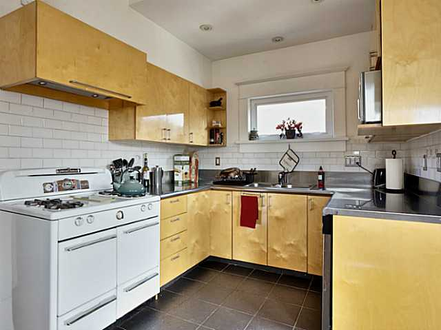 Photo 6: 1730 E 5TH Avenue in Vancouver: Grandview VE House for sale (Vancouver East)  : MLS® # V1108192