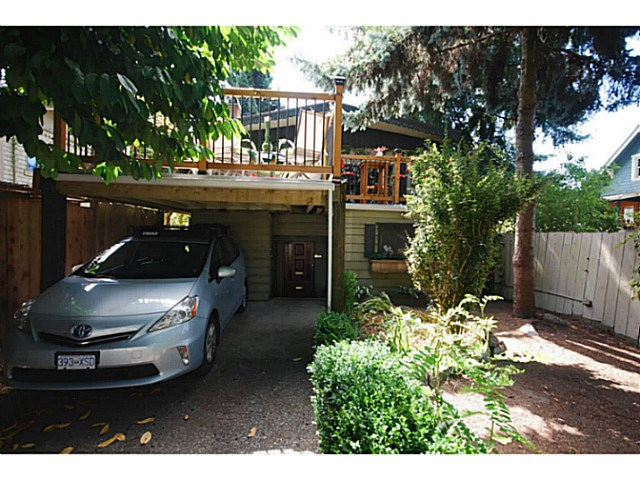 Main Photo: 30 E 23RD Avenue in Vancouver: Main House for sale (Vancouver East)  : MLS® # V1140451