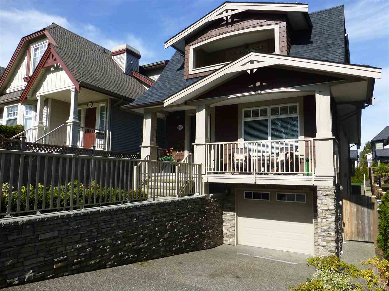 Main Photo: 15487 THRIFT Avenue: White Rock House for sale (South Surrey White Rock)  : MLS® # R2011959