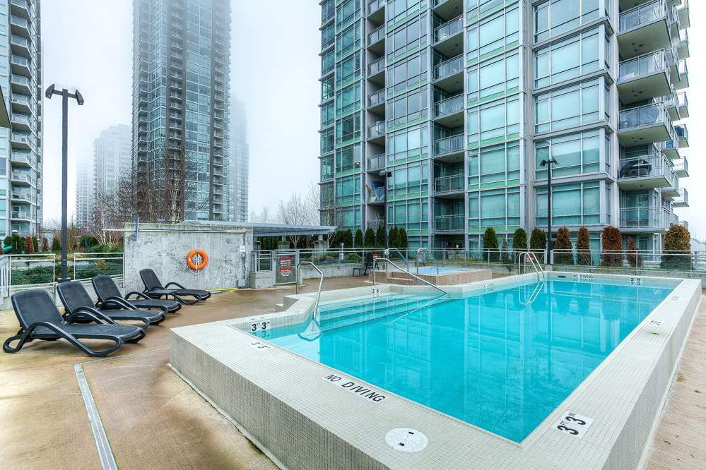 "Photo 13: 4203 2955 ATLANTIC Avenue in Coquitlam: North Coquitlam Condo for sale in ""THE OASIS"" : MLS® # R2023186"
