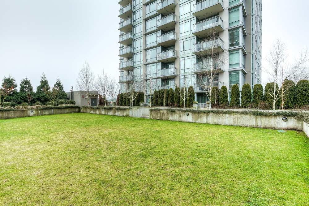 "Photo 14: 4203 2955 ATLANTIC Avenue in Coquitlam: North Coquitlam Condo for sale in ""THE OASIS"" : MLS® # R2023186"