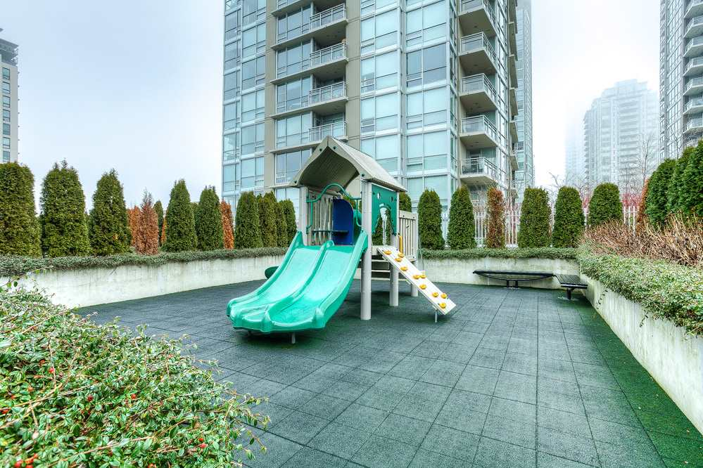 "Photo 17: 4203 2955 ATLANTIC Avenue in Coquitlam: North Coquitlam Condo for sale in ""THE OASIS"" : MLS® # R2023186"