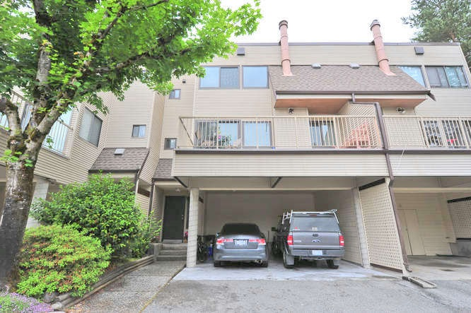 "Main Photo: 103 1210 FALCON Drive in Coquitlam: Upper Eagle Ridge Townhouse for sale in ""FERNLEAF PLACE"" : MLS®# R2043000"