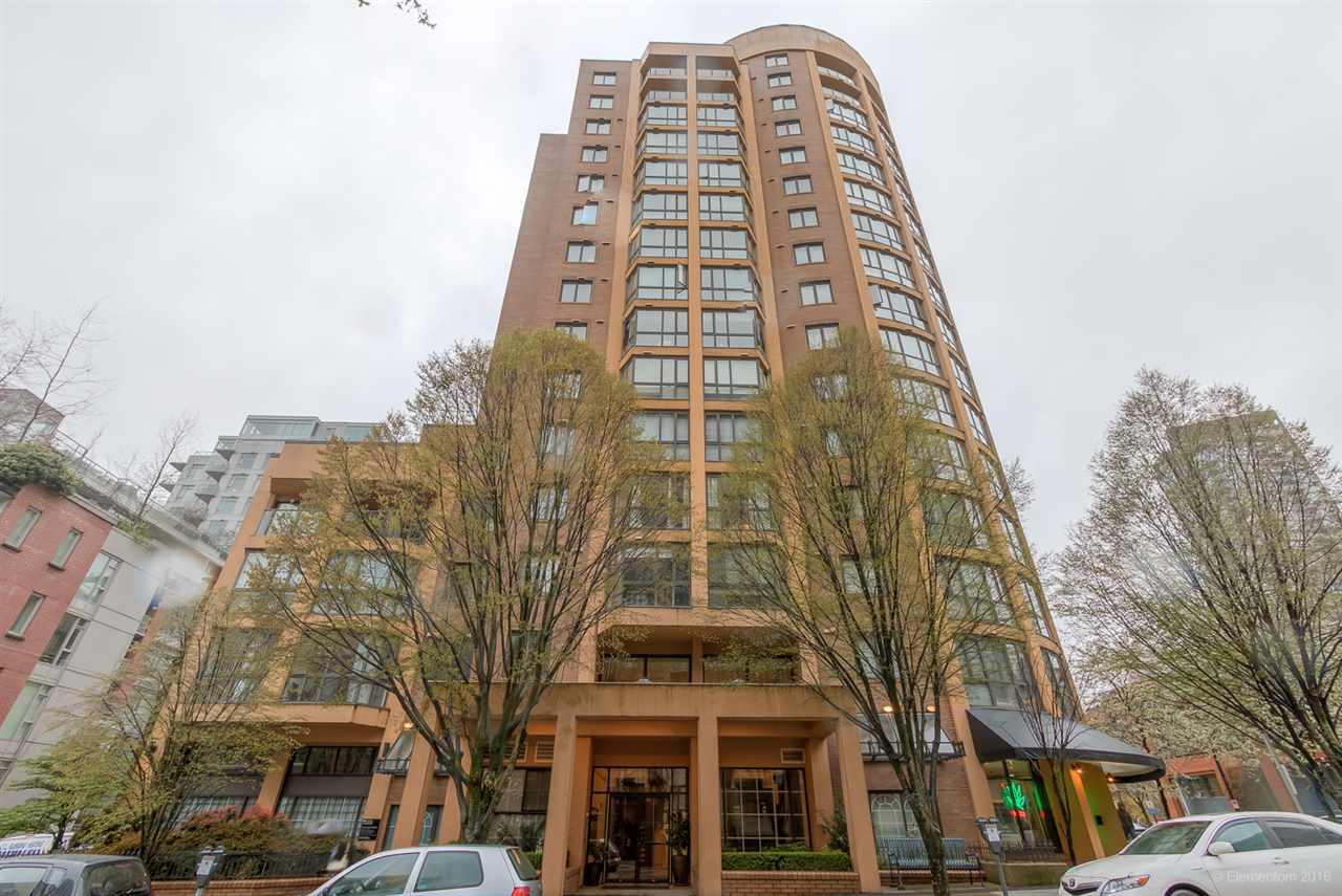 "Main Photo: 204 488 HELMCKEN Street in Vancouver: Yaletown Condo for sale in ""ROBINSON TOWER"" (Vancouver West)  : MLS® # R2058966"