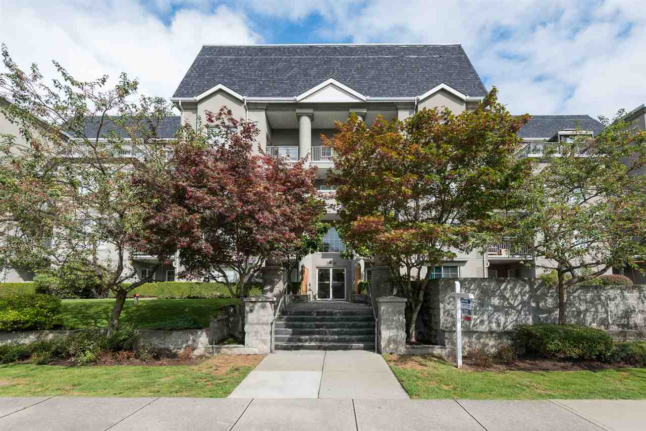 "Main Photo: 413 1669 GRANT Avenue in Port Coquitlam: Glenwood PQ Condo for sale in ""THE CHARLESTON"" : MLS®# R2105860"