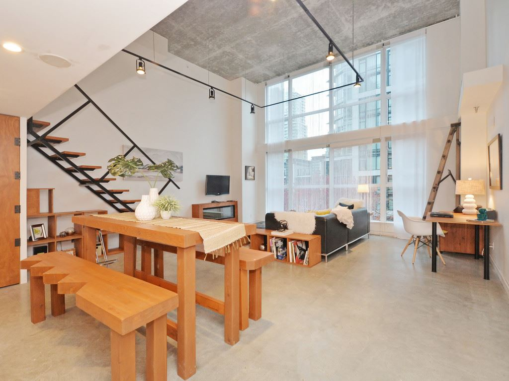 "Main Photo: 304 1238 SEYMOUR Street in Vancouver: Downtown VW Condo for sale in ""THE SPACE DOWNTOWN"" (Vancouver West)  : MLS®# R2118705"