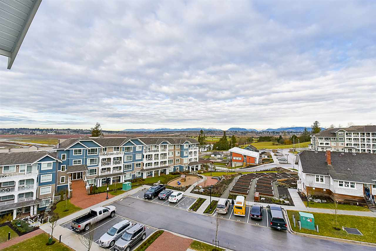 "Photo 14: 508 16388 64 Avenue in Surrey: Cloverdale BC Condo for sale in ""The Ridge at Bose Farms"" (Cloverdale)  : MLS® # R2132280"