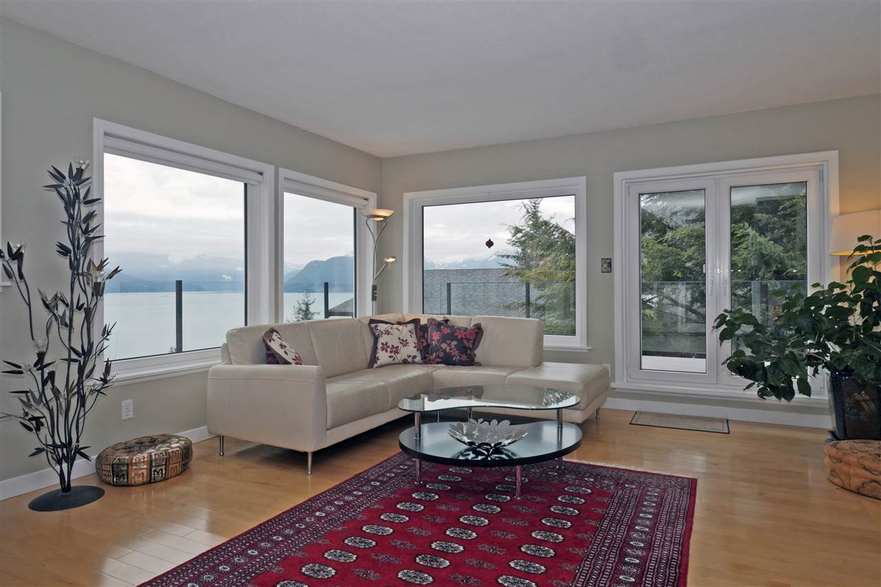 "Main Photo: 100 KELVIN GROVE Way: Lions Bay House for sale in ""Kelvin Grove"" (West Vancouver)  : MLS(r) # R2140764"