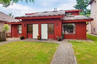 Main Photo: 57 W 12TH Avenue in Vancouver: Mount Pleasant VW House 1/2 Duplex for sale (Vancouver West)  : MLS(r) # R2169864